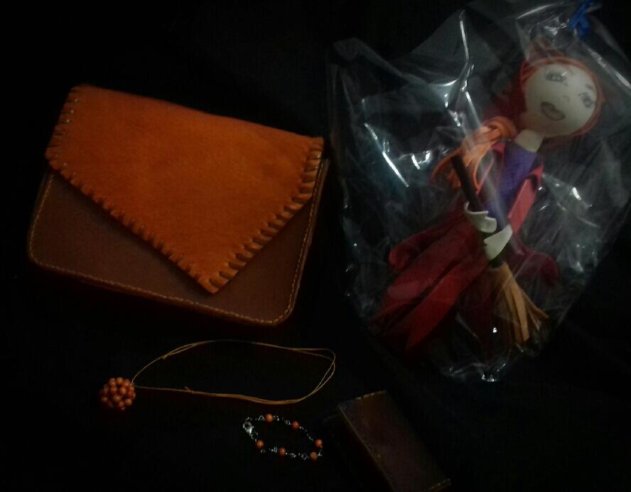 Trabajo en cuero bolsos carteras cinturones…